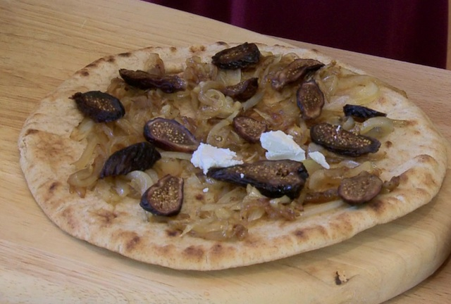 18flatbread-figs.jpg