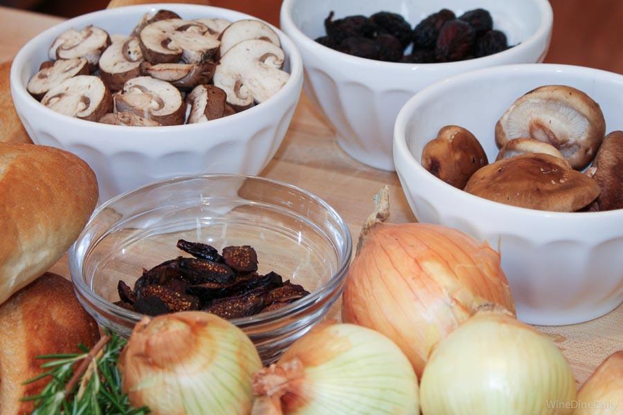 Herb Mushroom Crostini ingredients