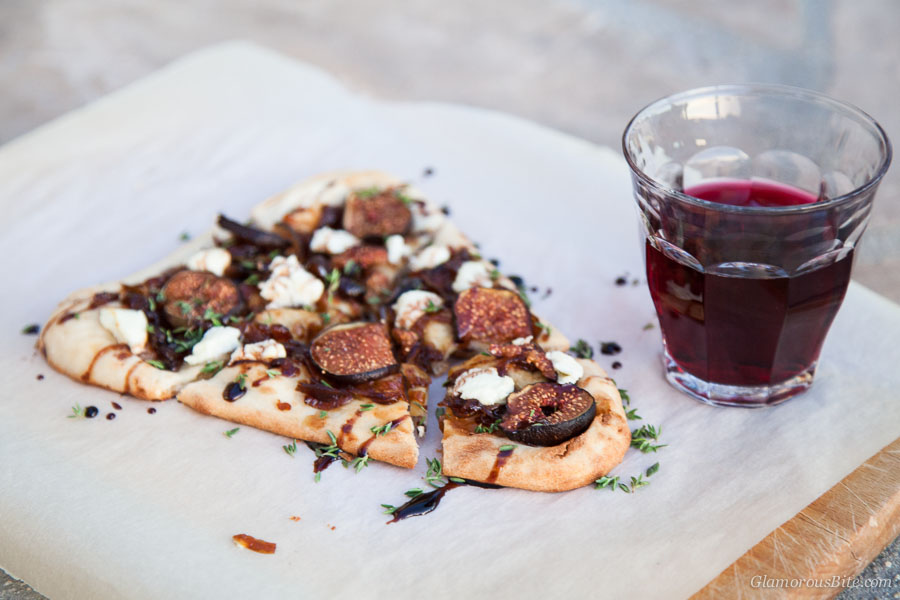 Naan Pizza with Figs, Goat Cheese Pinot
