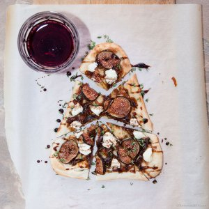 Naan Pizza with Figs Goat Cheese recipe