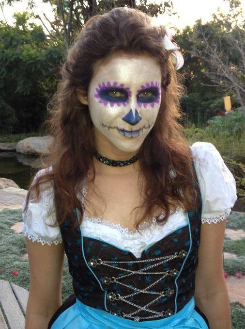 Halloween Corina