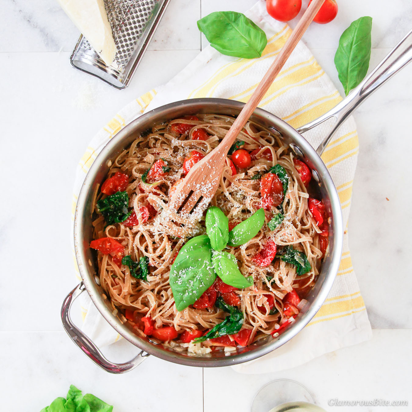 Whole-wheat Pasta with tomato Spinach